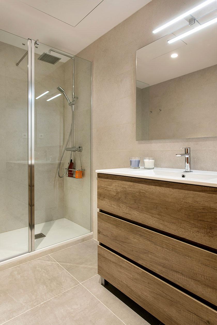 Reforma d'un bany integral a Esplugues