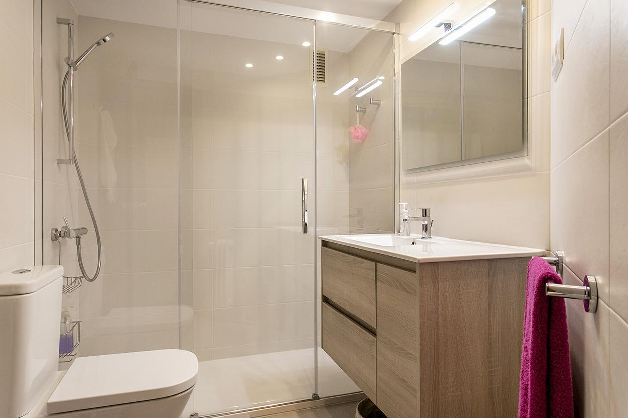 Reforma integral d'un bany a l'Eixample