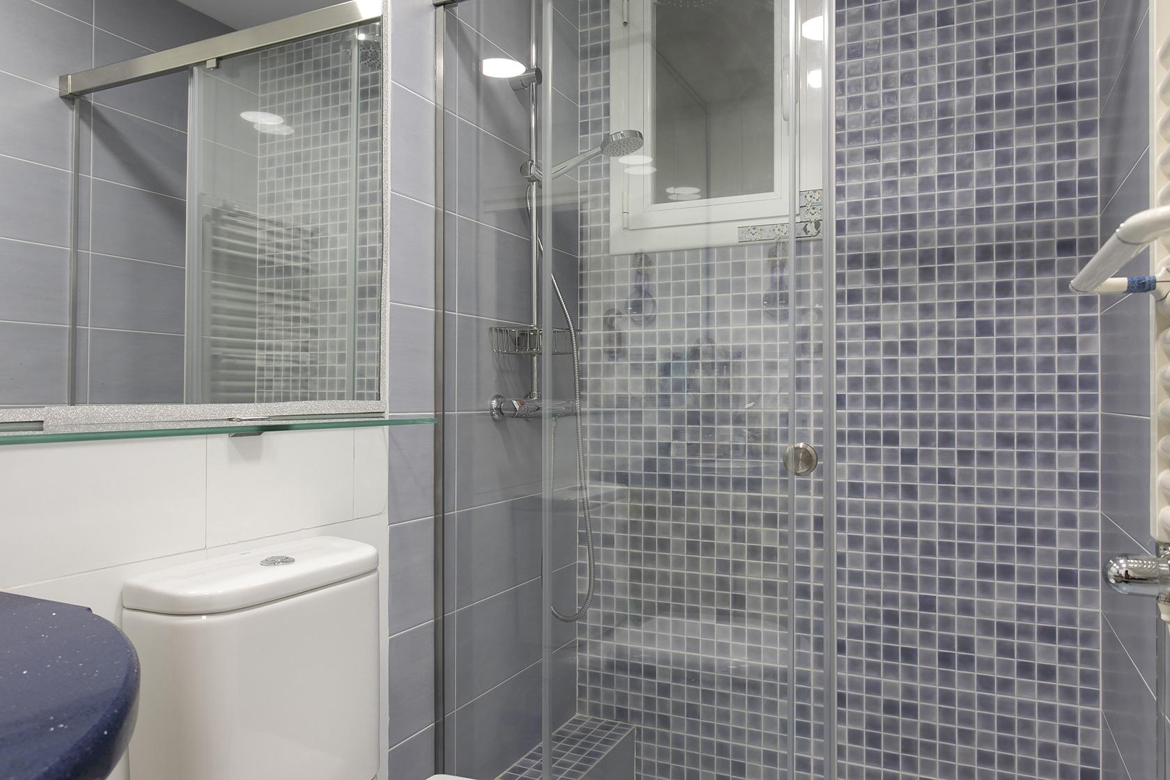 Reforma parcial d'un bany al Guinardó