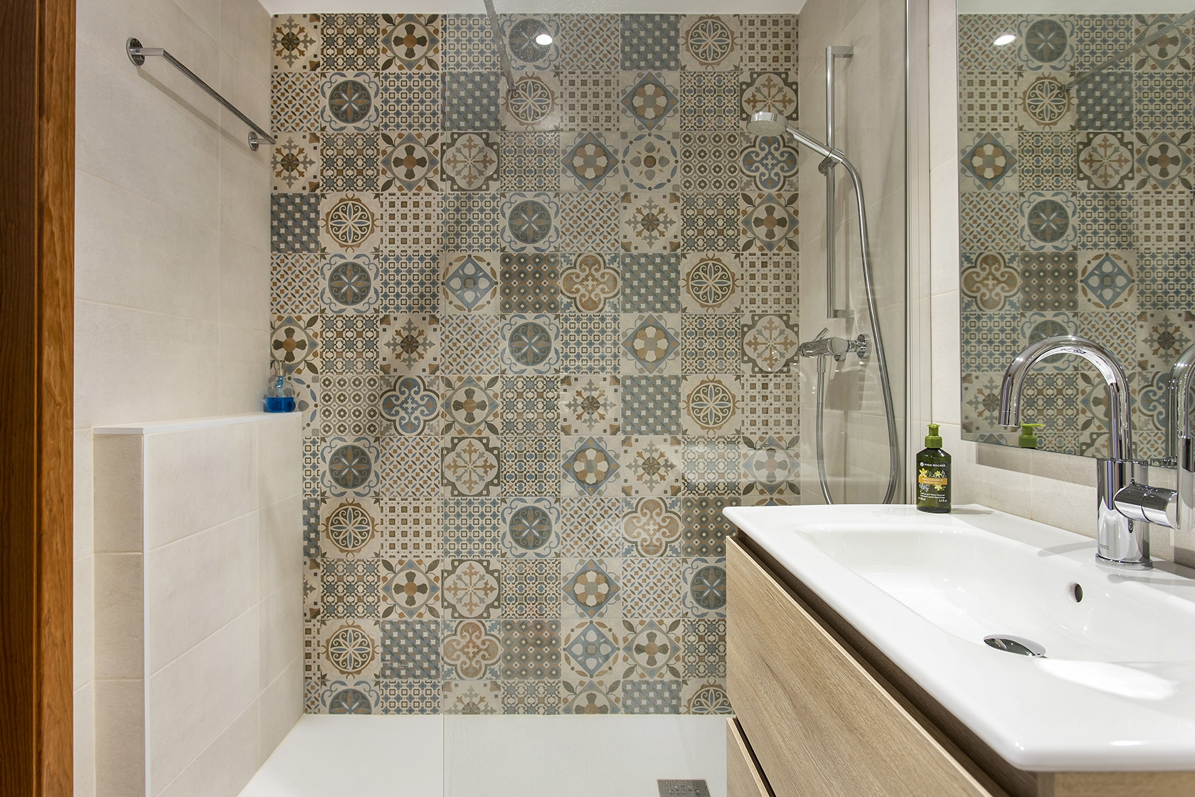 Dutxa amb mosaic