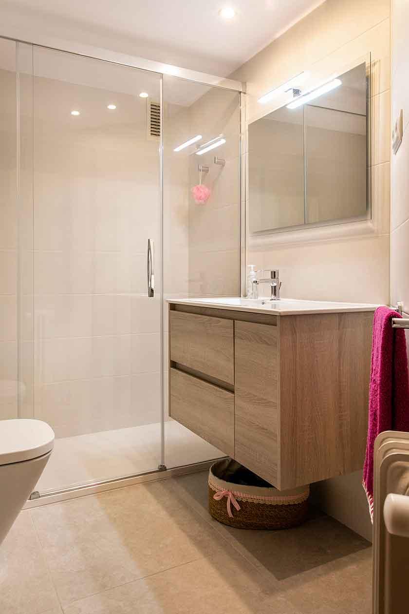 Reforma baño integral en el Eixample