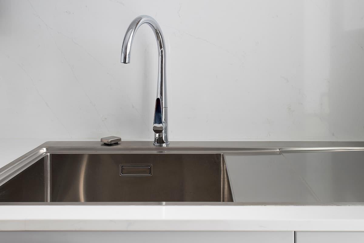 Grifo de lavadero integrado en cocina