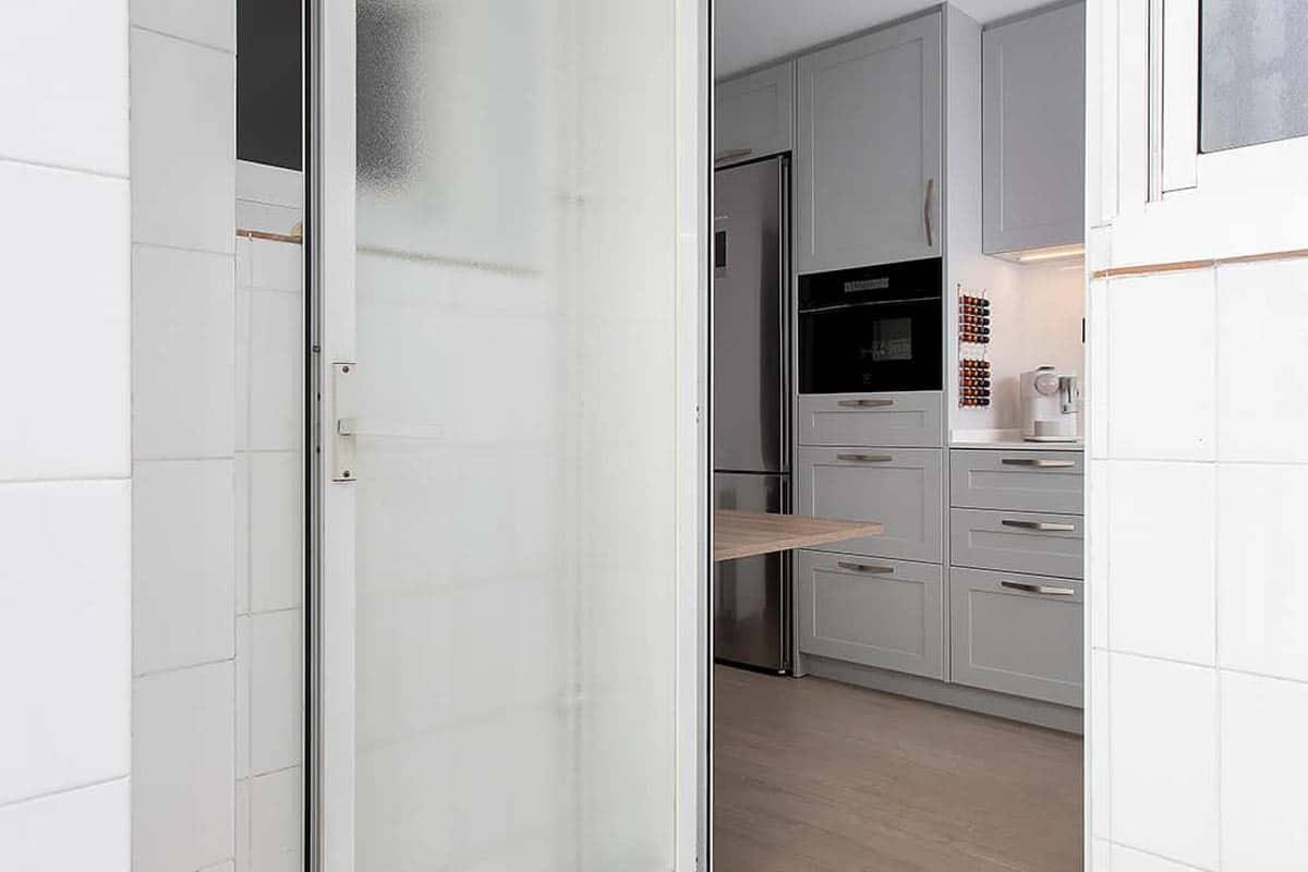 puerta de lavadero abierta