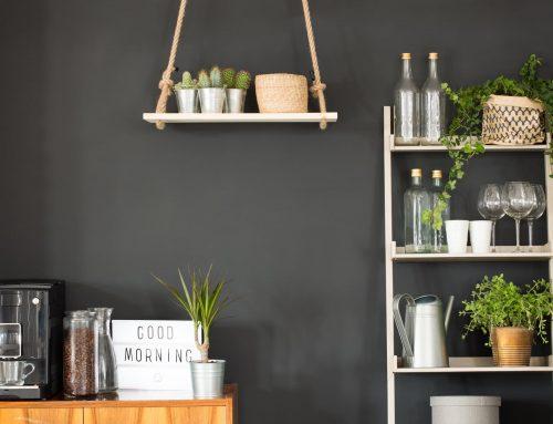 Com decorar amb prestatgeries: 10 idees per inspirar-te