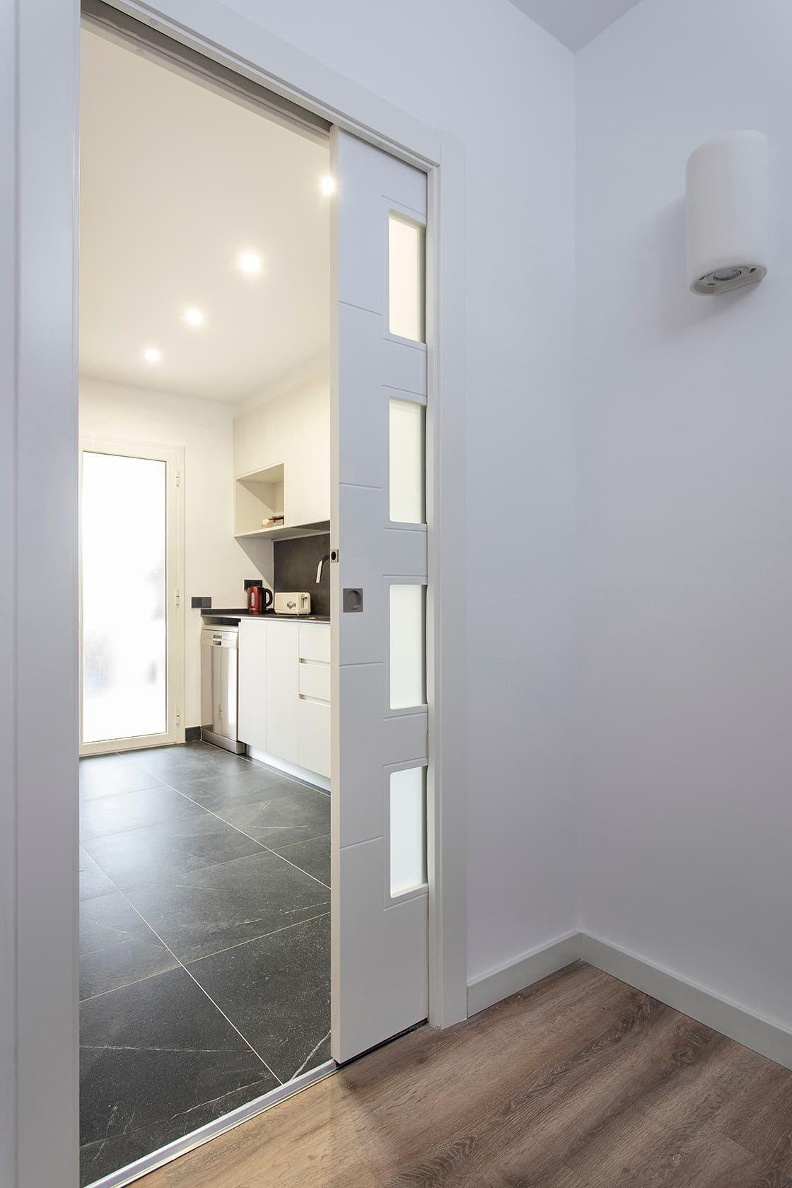 puerta entre estancias